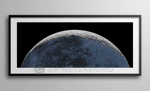 Half a Moon, with a 3D-twist. A framed sample image.